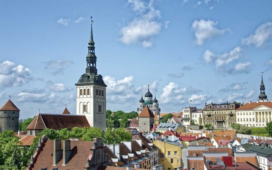 Tallinn in One Day (Europe's most beautiful old town)