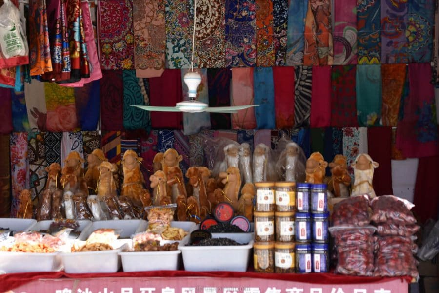 Market, Dunhuang