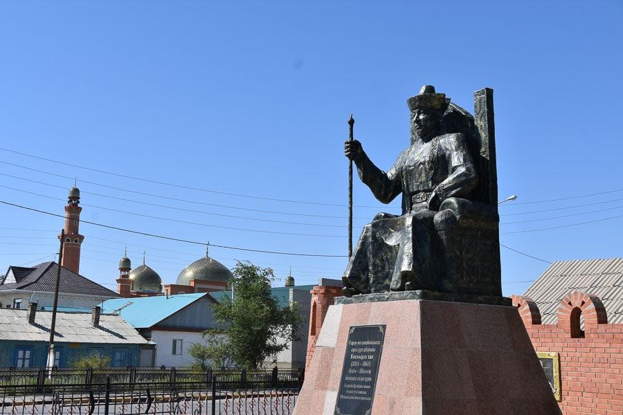 Bekmyrza Khan Statue