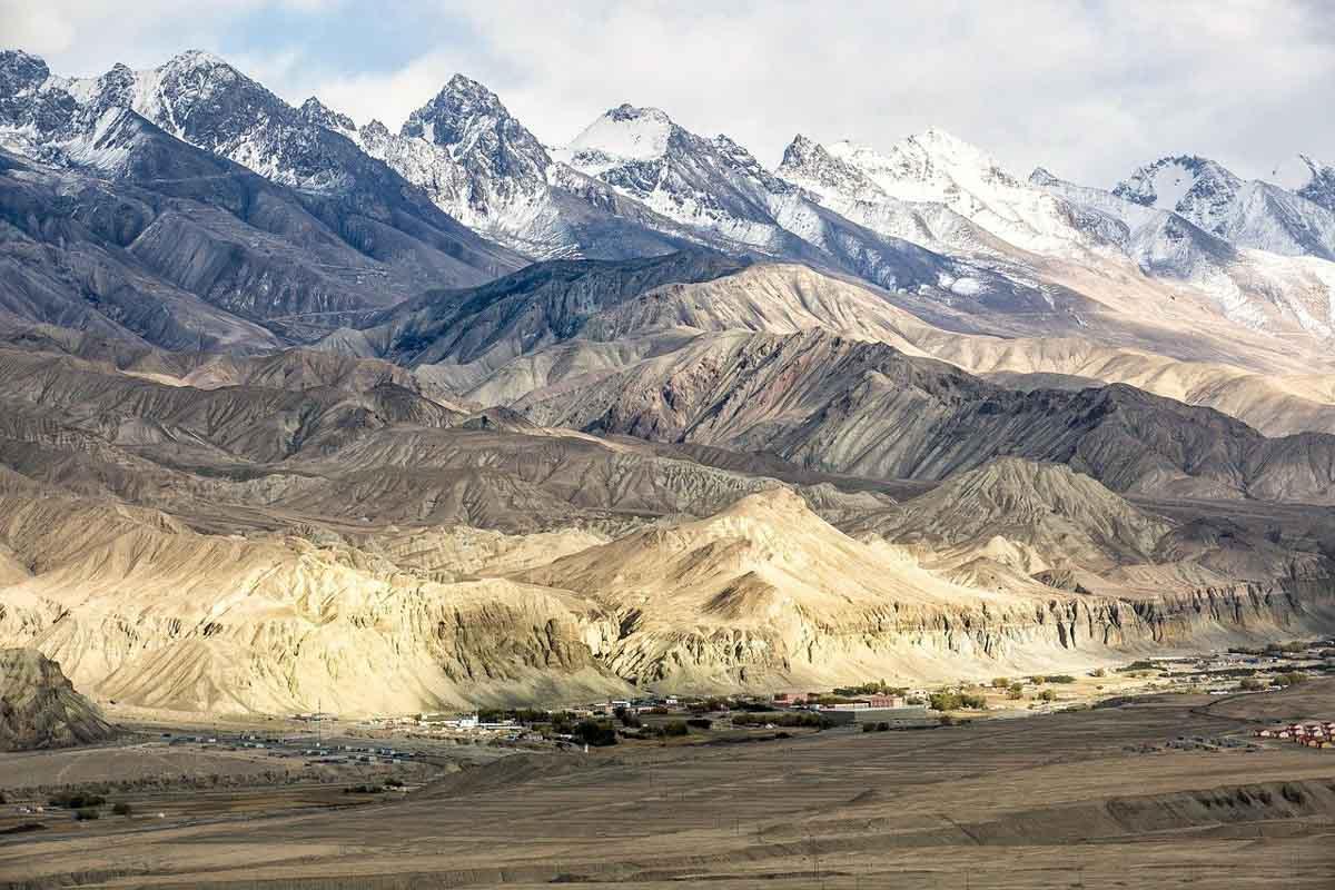 Xinjiang Mountains